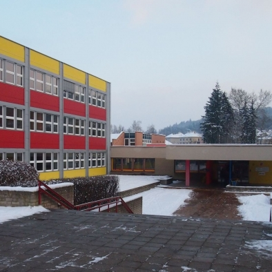 18 schools in the town of Pisek